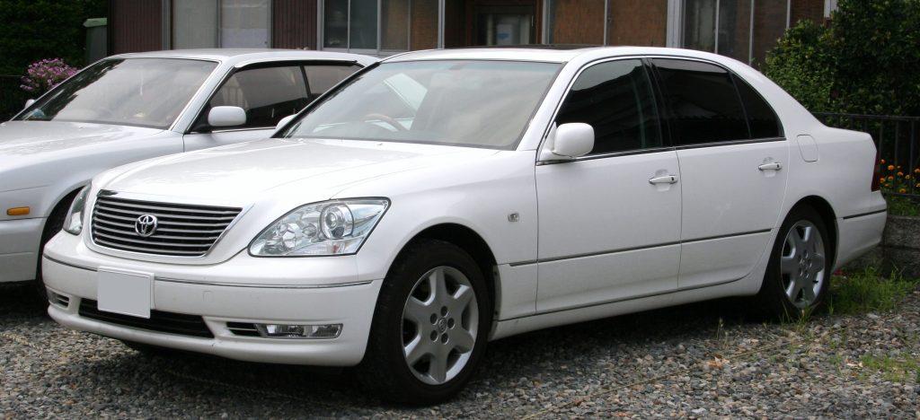 8 トヨタ セルシオ
