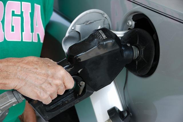 カタログの燃費と実燃費の違いは?