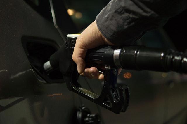 ホンダ CR-Zの燃費性能は良い?悪い?|街乗りと高速走行の燃費