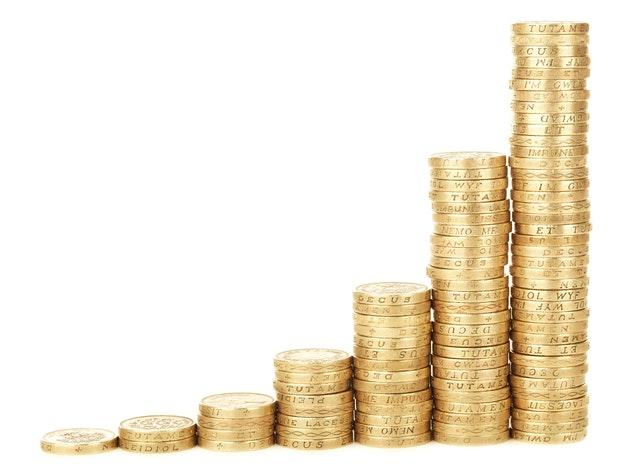 自動車税・軽自動車税の税額|用途・排気量で異なる金額に注意!