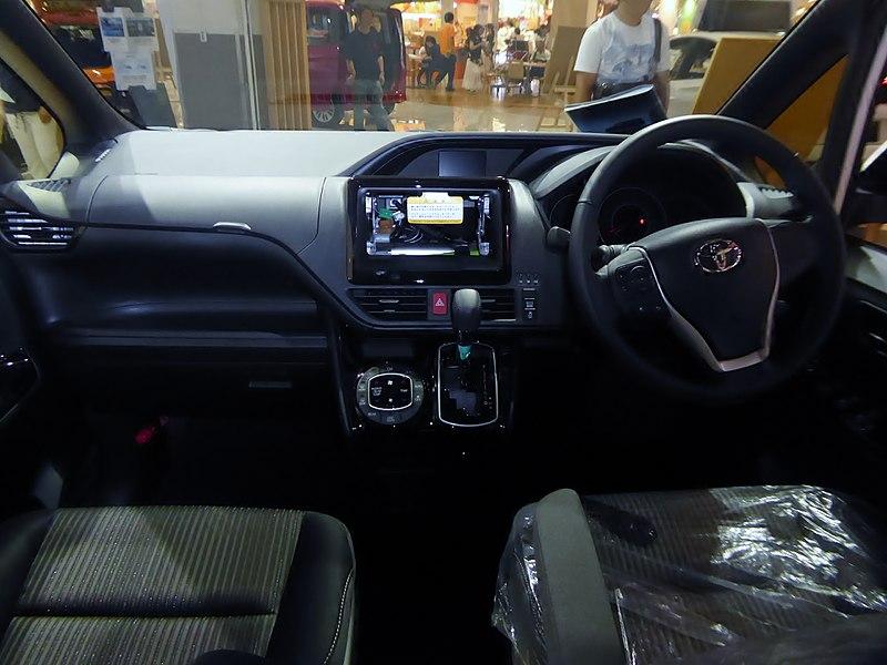 トヨタボクシーの内装(インテリア)