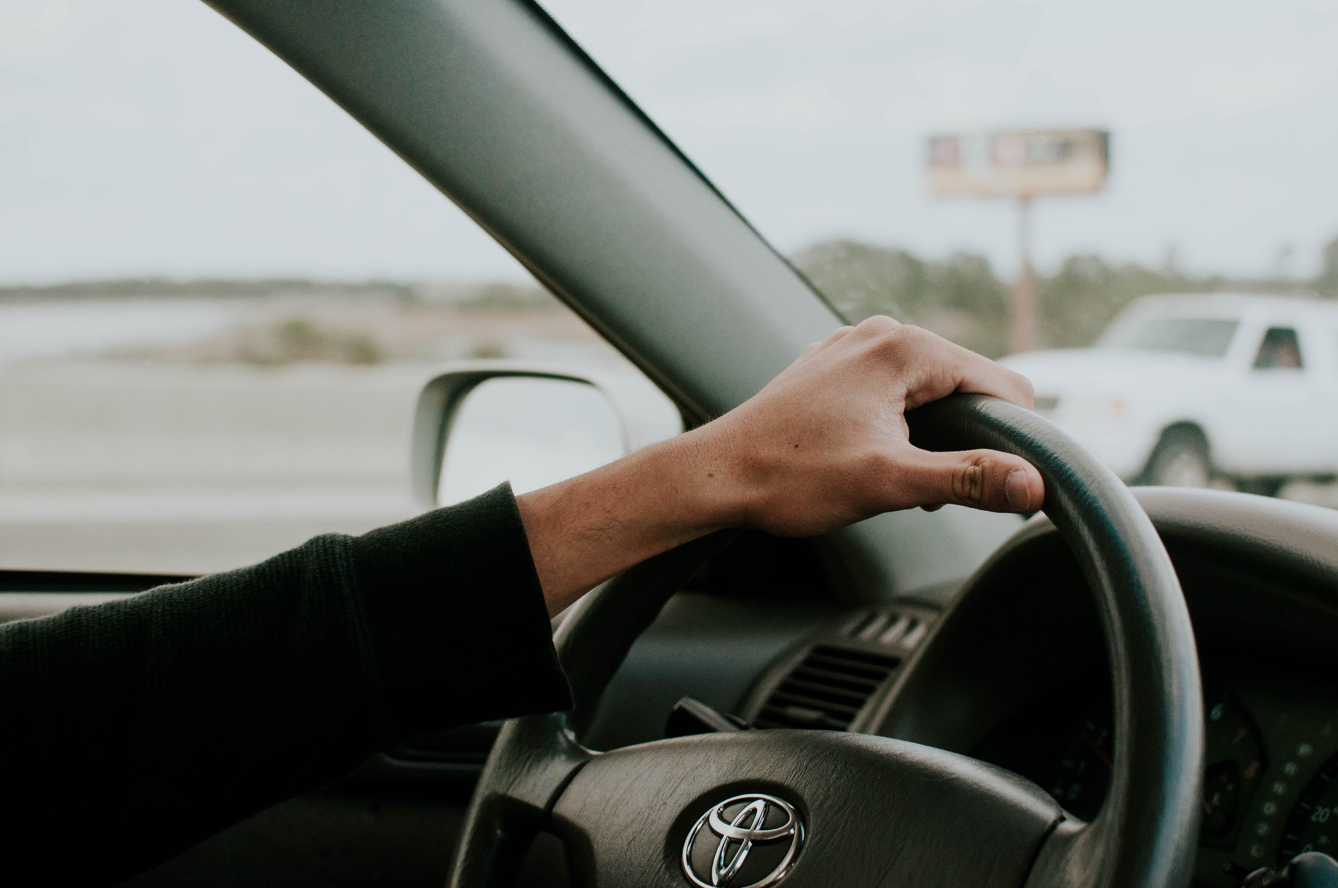 「若者の車離れ」は本当に起きているのか?