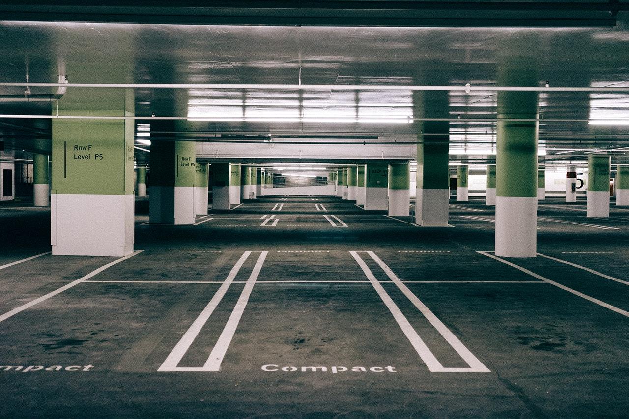 駐車違反にならないために知っておくべき駐停車の方法